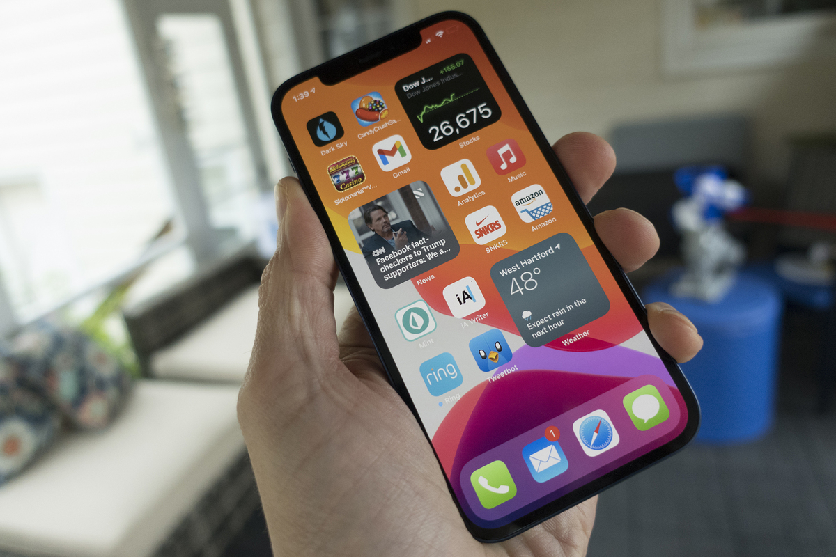 This Android 12 leak looks an awful lot like iOS 14