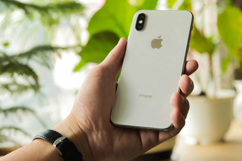 Apple iPhone X in 2021: Better Than A Mid-range Android?