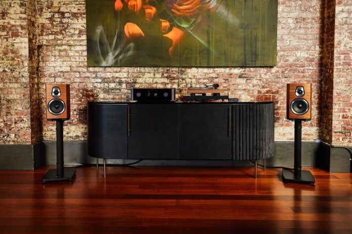 """What Does """"Hi-Fi"""" Even Mean Anymore? This Is What the Experts Say"""