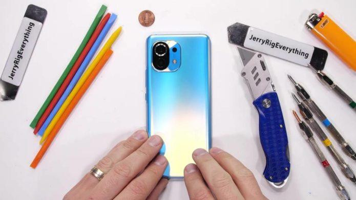 Xiaomi Mi 11 durability impresses YouTuber
