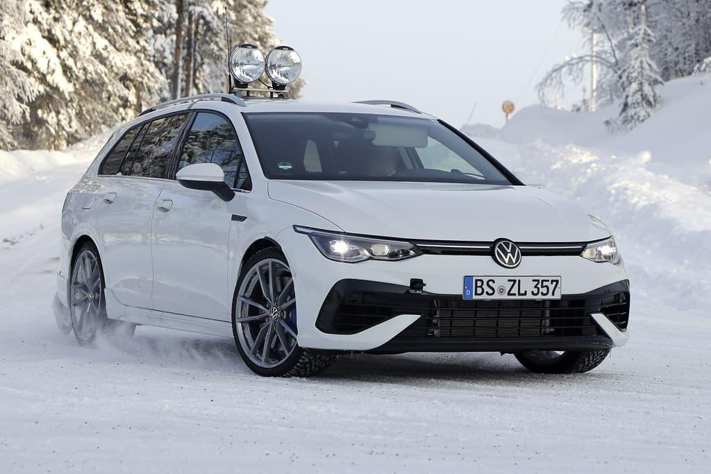 SPY PICS: New Volkswagen Golf R wagon laid bare