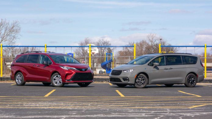 2021 Chrysler Pacifica Hybrid Vs 2021 Toyota Sienna Hybrid Comparison: Family Style