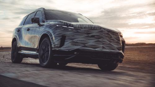 2022 Infiniti QX60 features a revolutionary direct coupling all-wheel drivetrain