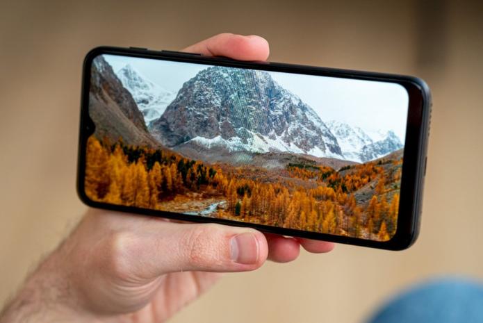 Motorola Moto G10 in for review