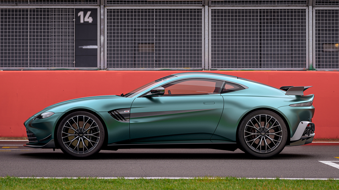 2021 Aston Martin Vantage F1 Edition commemorates return to Formula 1 racing