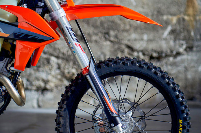 WP Xplor Pro 7448 Air Fork First Look: High-End Off-Road Suspension