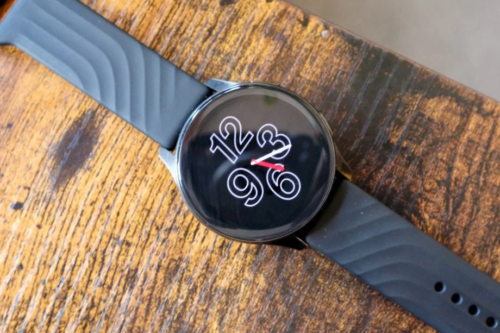 OnePlus Watch to get always-on display and a 12-hour clock