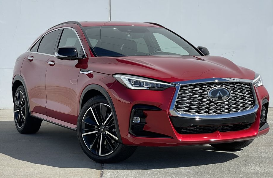 The Infiniti QX55 Is Stylish Above All, and Sometimes That's All You Need