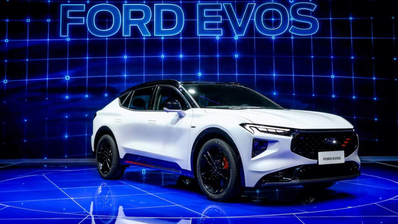 Ford EVOS electric crossover has a dashboard to put the Mustang Mach-E to shame