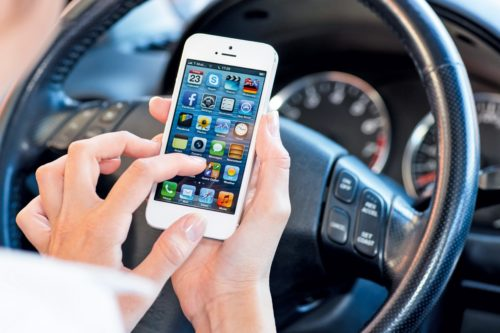 The Use of Smartphone Apps Among Drivers: The Advantages?