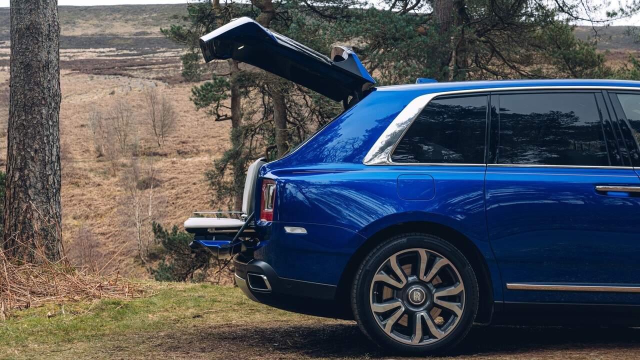 Rolls-Royce Cullinan offers a bespoke Recreation Module in the trunk
