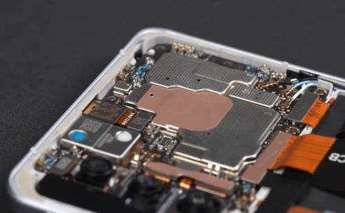 Redmi K40 Game Enhanced Version Teardown: Shoulder Key Structure Unveiled