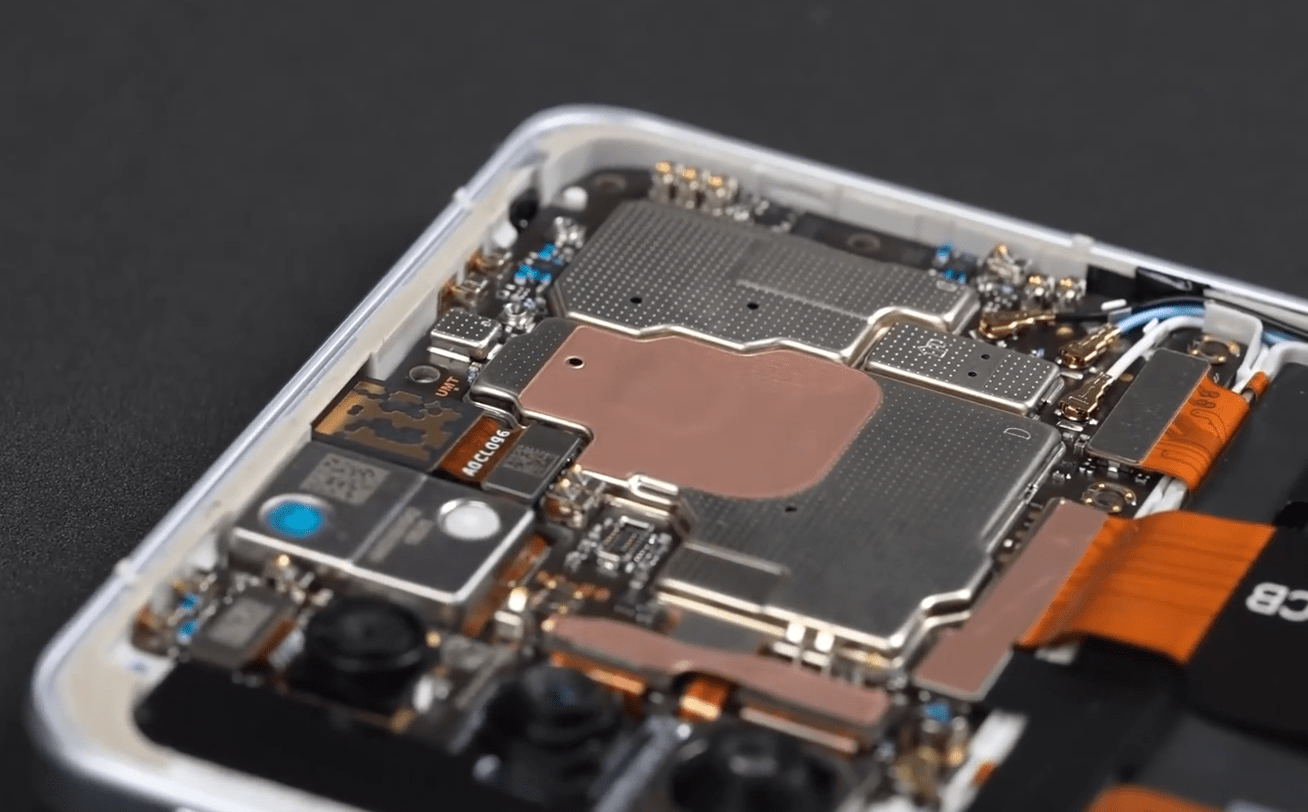 Redmi K40 Game Enhanced Version Teardown: Shoulder Key Structure Unveiled