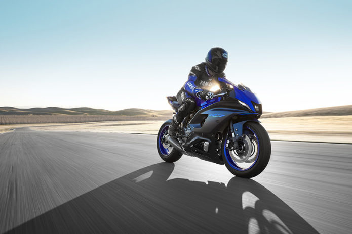 The 2022 Yamaha YZF-R7 Is Team Blue's New Supersport Track Weapon