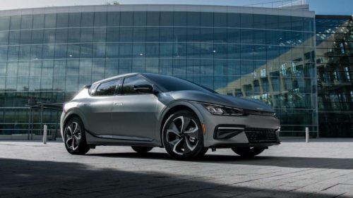 2022 Kia EV6 electrifies Times Square with similar specs to Hyundai Ioniq 5