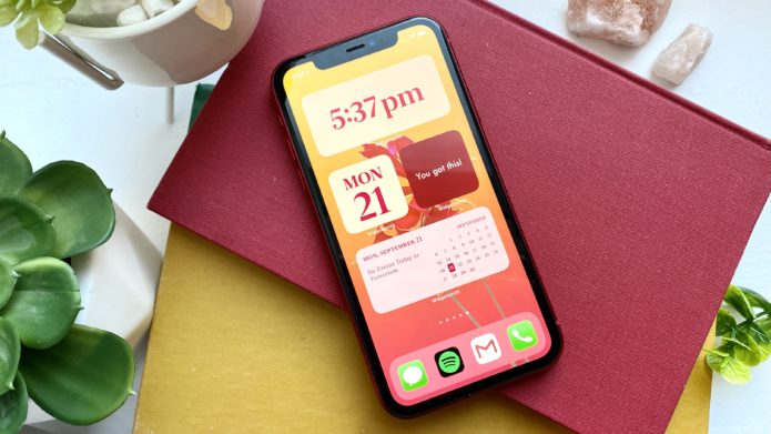 iOS 15 leak teases food tracking, better notifications and new lock screen