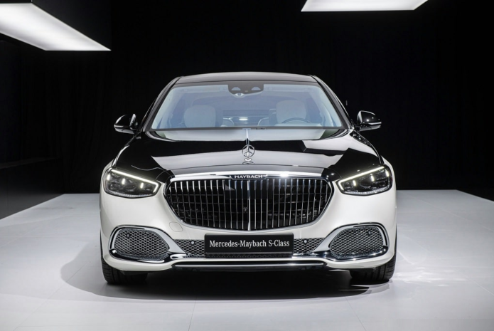 Mercedes Confirms V-12–Powered S680 Maybach in Teasers