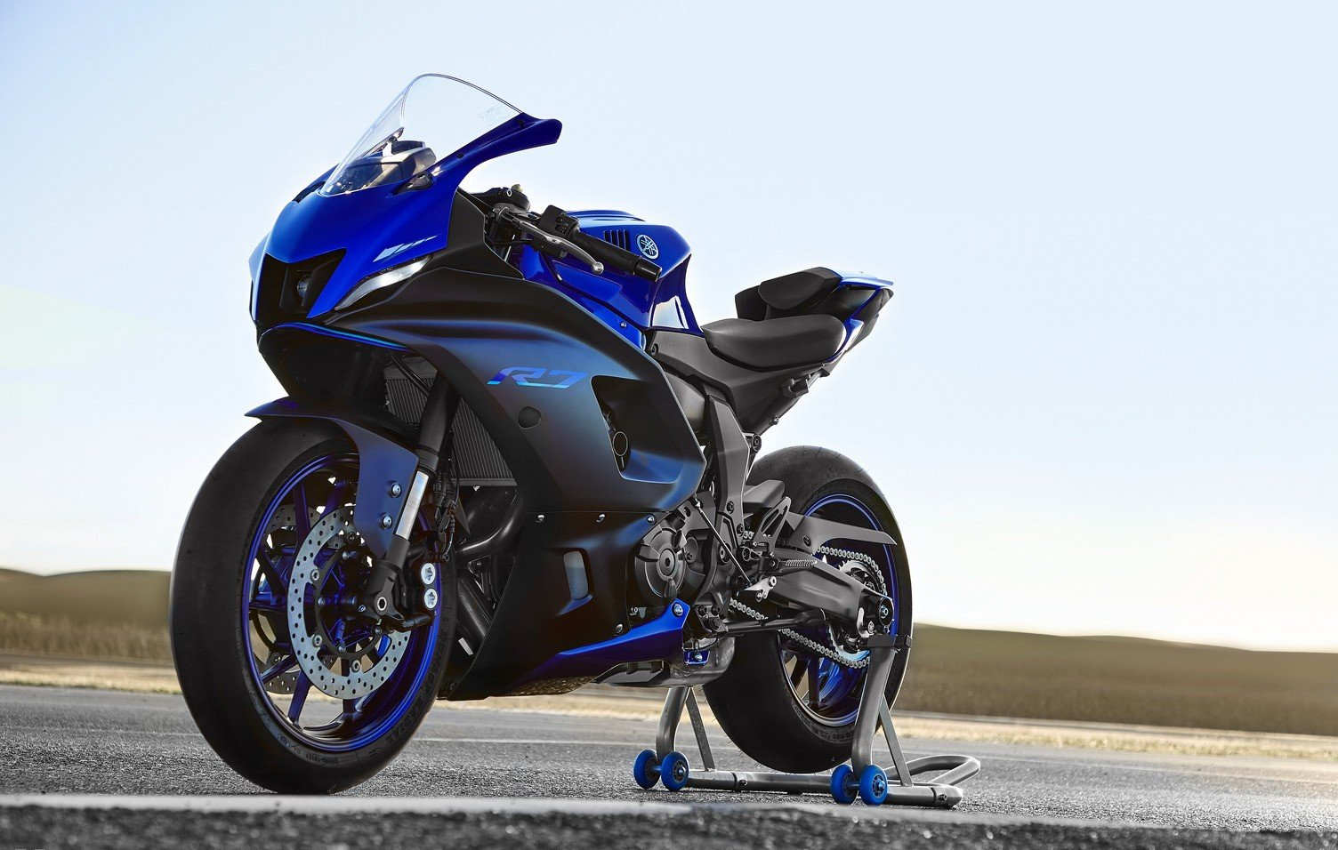 The Wraps Are Off: Yamaha Unveils The New 2022 YZF-R7