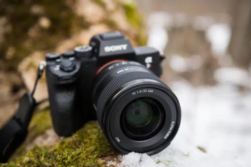 28mm vs 35mm Lens Battle: The Great Debate for Photographers