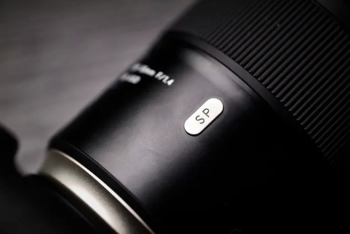 It's Time to Photowalk! Enjoy It with These Lightweight Lenses