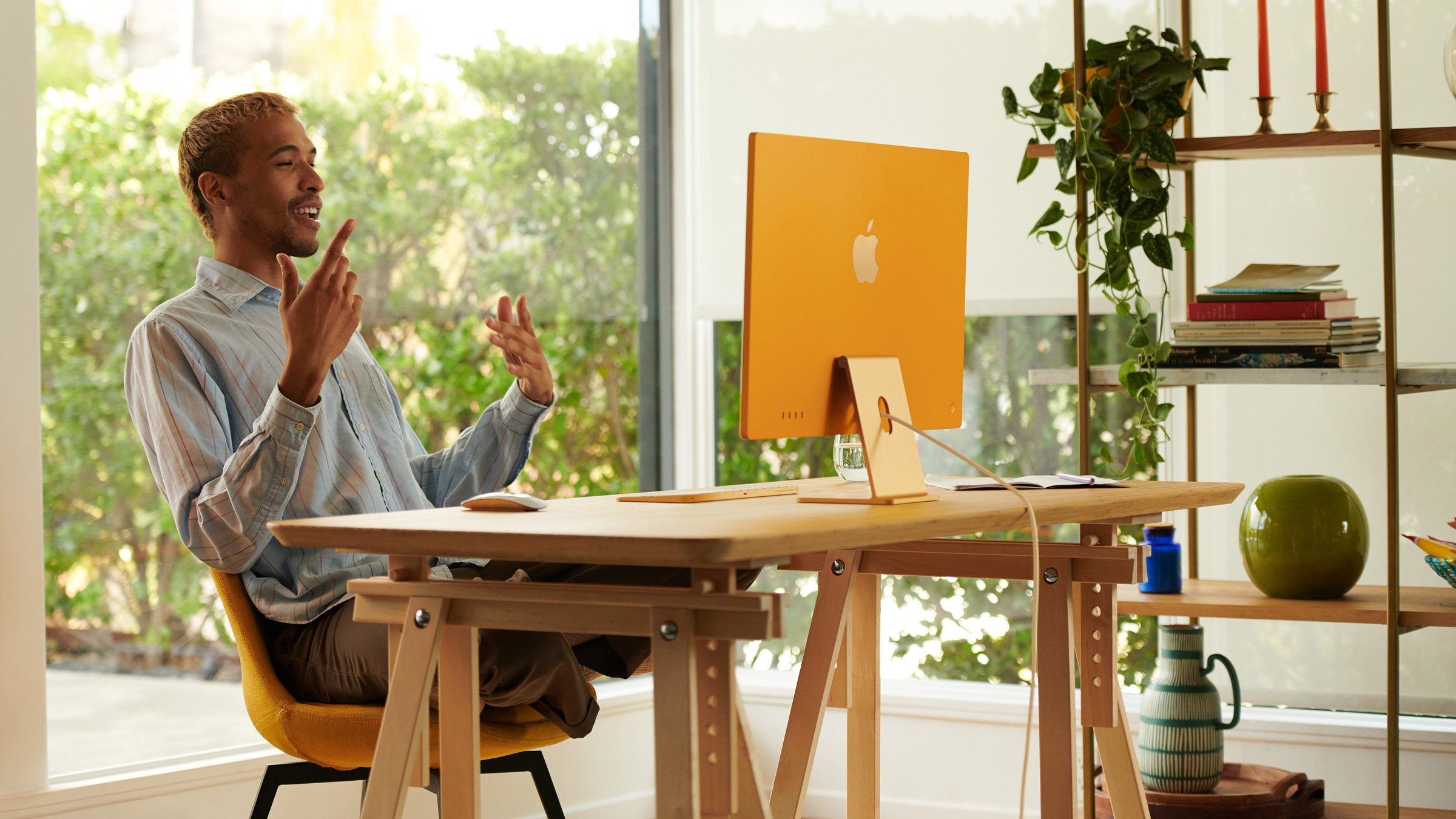 The new 24-inch iMac (2021) vs. the M1 Mac Mini (2020)