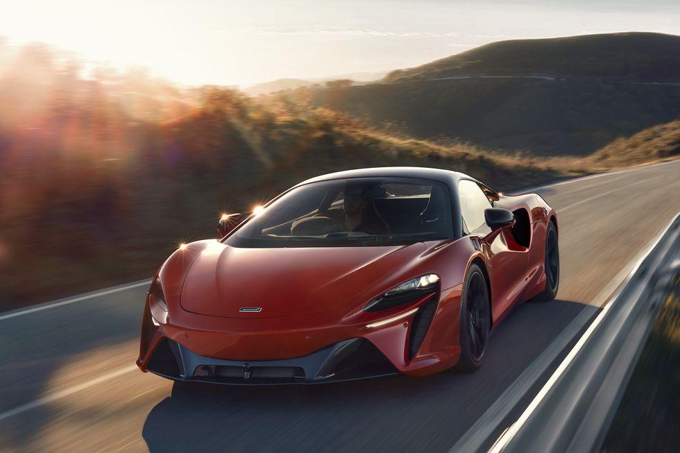 McLaren's New Supercar Is a High-Tech Masterpiece