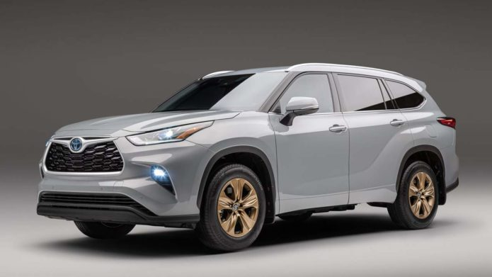 Toyota Highlander Hybrid Bronze Edition ups the style