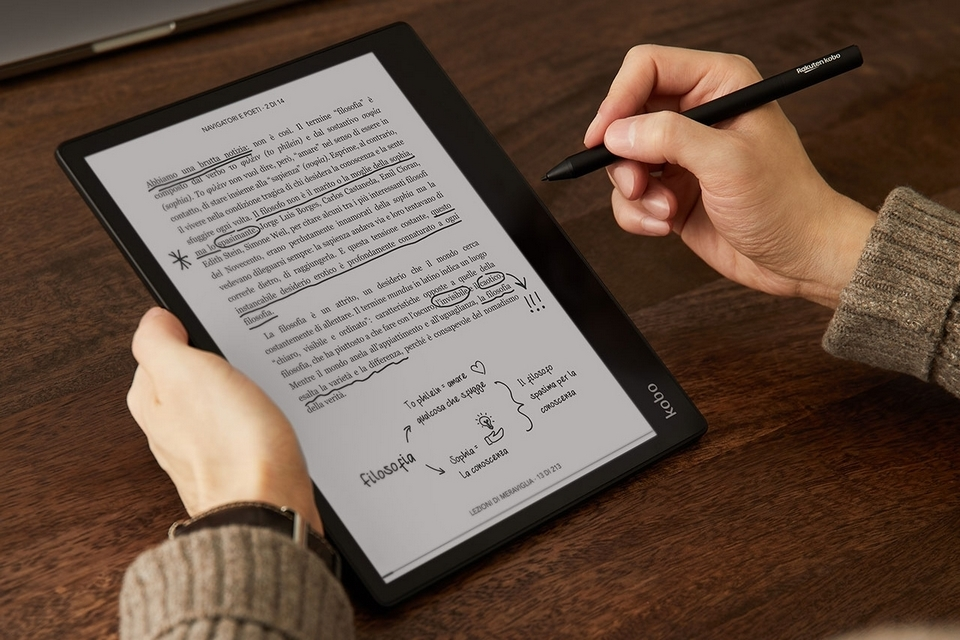Kobo Elipsa Is A 10.3-Inch Ebook Reader That Doubles As a Digital Notebook