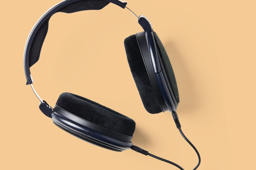 Every Reason You Should Go Back to Wired Headphones