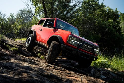 Can 2021 Ford Bronco Win Against Jeep Wrangler In A Drag Race?