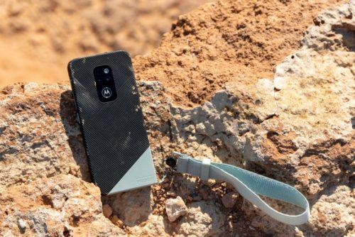 Motorola is bringing back the durable Defy smartphone for 2021