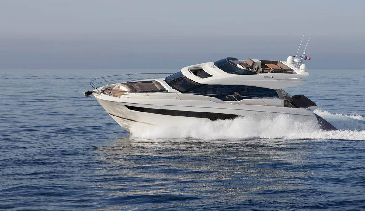 Prestige 630S: Watch the first ever Aquaholic yacht tour
