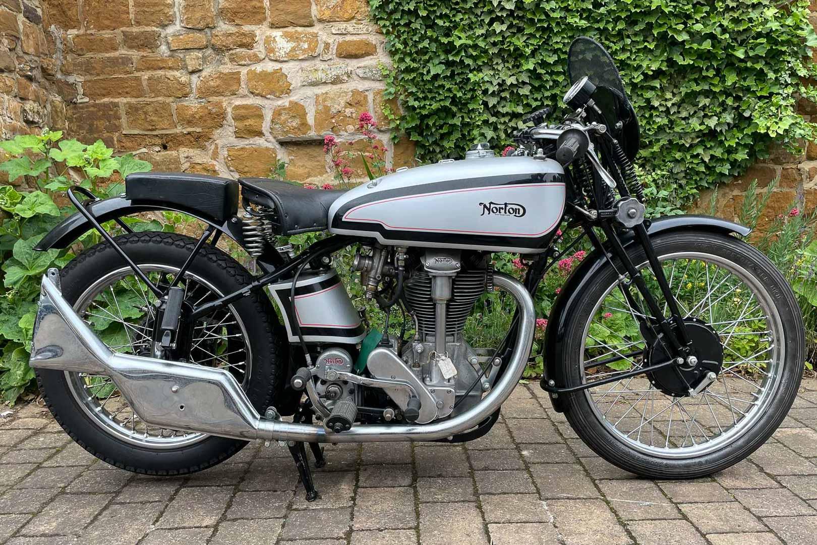 1952-Triumph-500-Purdy