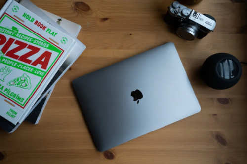 Kuo: Colourful MacBook Airs are coming