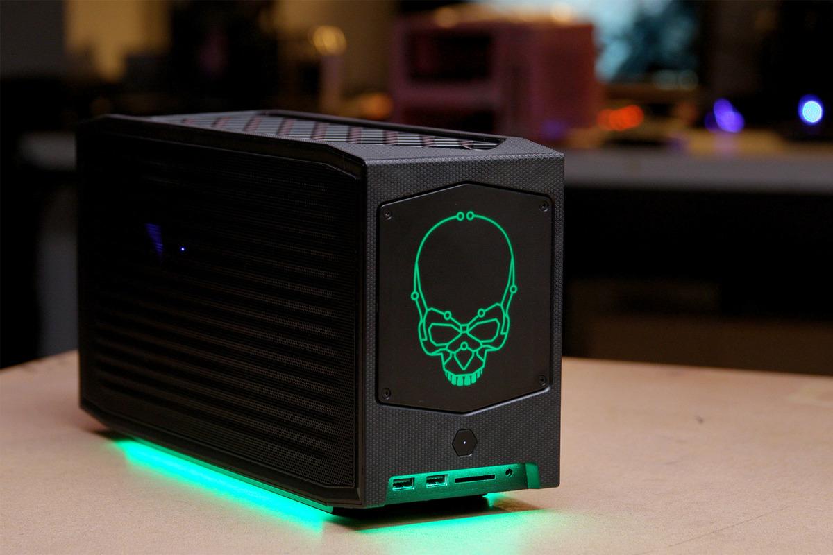 Intel Beast Canyon NUC11BTMi9