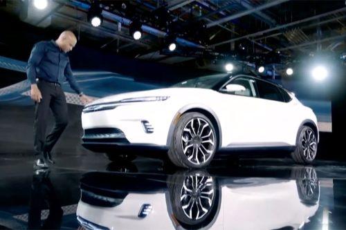 Chrysler EV concept unveiled