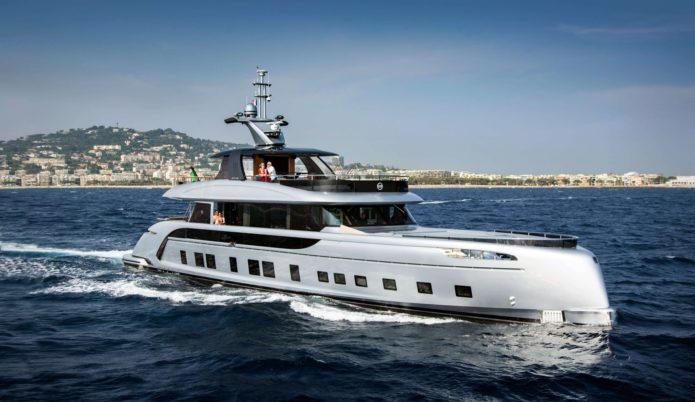 Dynamiq GTT115 superyacht
