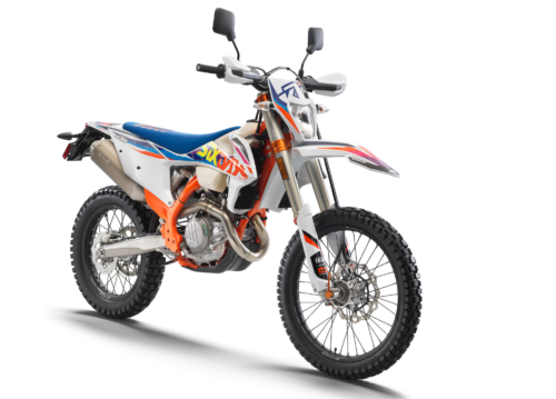 2022 KTM 500 EXC-F Six Days First Look (9 Fast Facts)