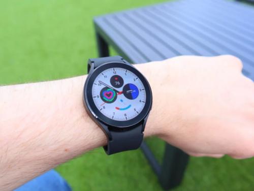 Samsung Galaxy Watch 4 lifts Walkie Talkie from Apple Watch