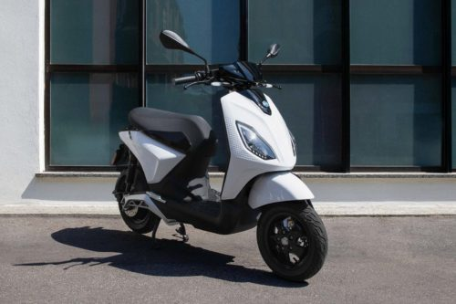 2022 Piaggio 1 Lineup First Look: 3 Electric Scooters (14 Fast Facts)