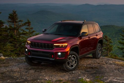 2022 Jeep Grand Cherokee Arrives in Two-Row Form with New Hybrid
