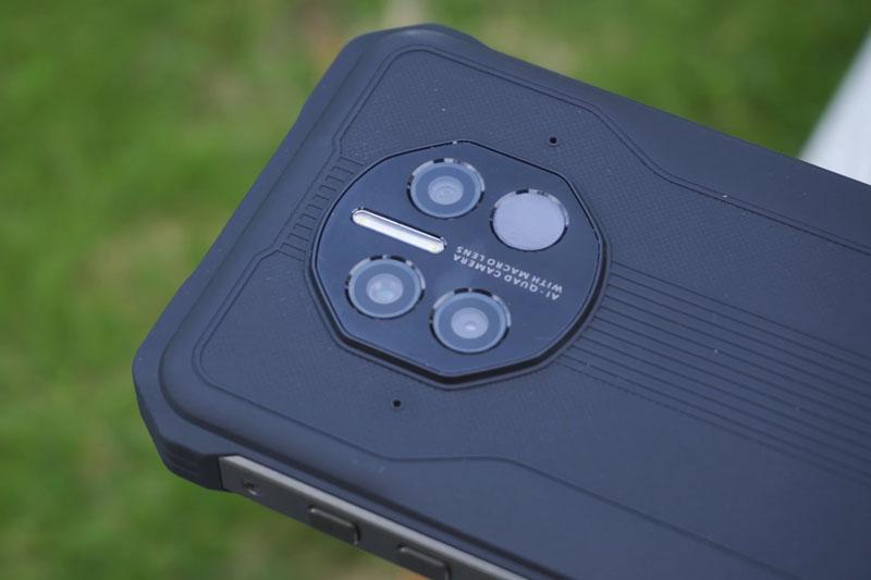 DOOGEE V10 smartphone