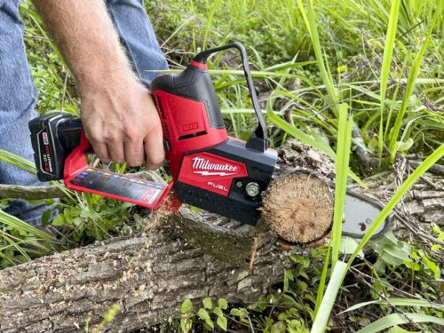Milwaukee M12 Fuel Hatchet 6-Inch Pruning Saw Review 2527