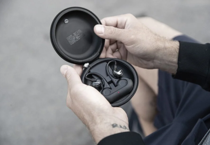 Aonic 215 earbuds