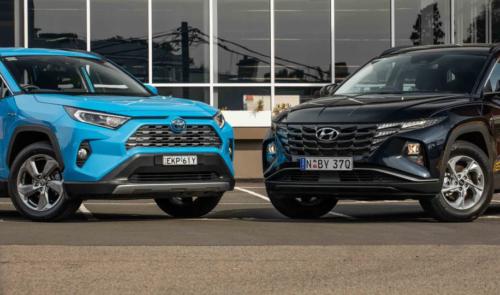 2021 Hyundai Tucson (base) 2WD v Toyota RAV4 GXL Hybrid comparison