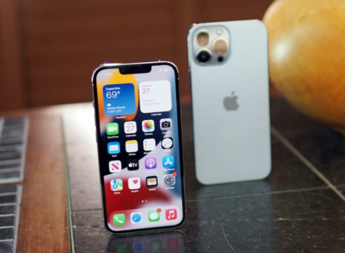 iOS 15.0.1 released with fix for iPhone unlock with Apple Watch