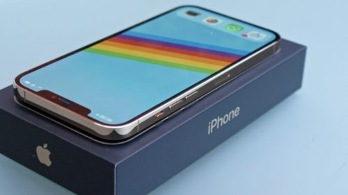iPhone 13: First customers get their hands on Apple's new device