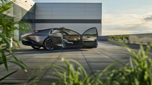 Audi grandsphere concept removes steering wheel, pedals, displays