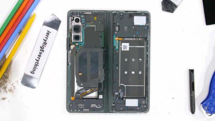 Galaxy Z Fold 3 teardown
