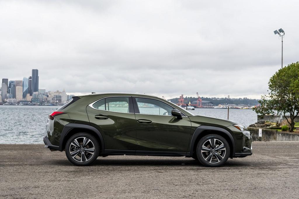 Lexus UX 2022